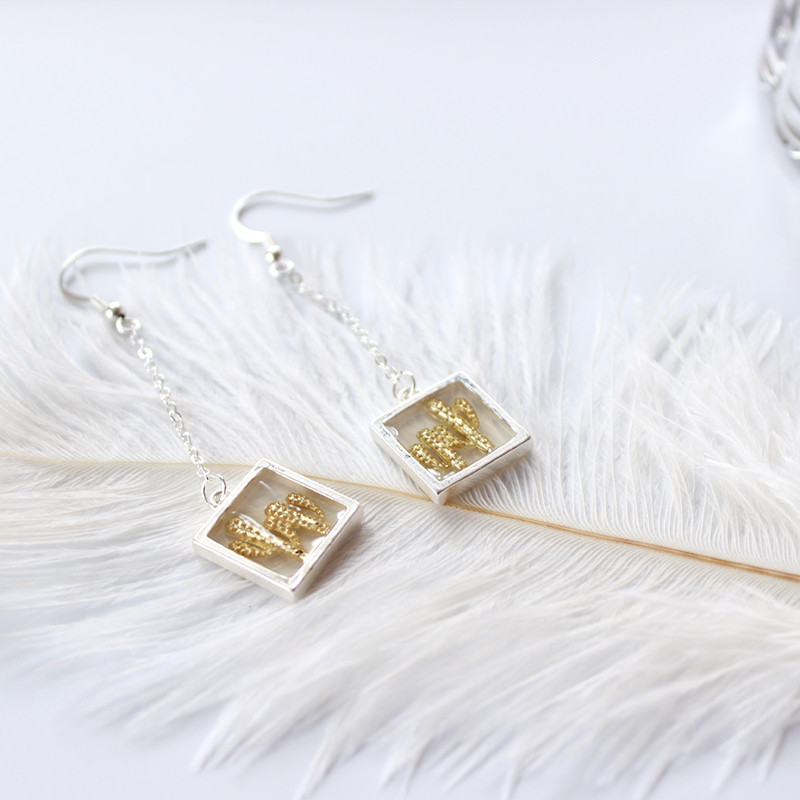 2018 new European and American jewelry female fashion personality cactus chain long ear hook earrings