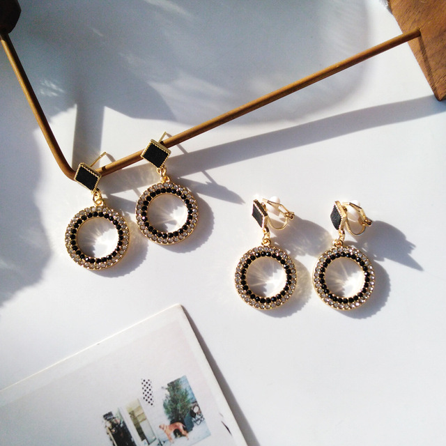Black Crystal Metal Round Clip Earring NO Pierced With Stone White Rhinestone Elegant Clip on Earrings Without Piercing Ear Hole 1