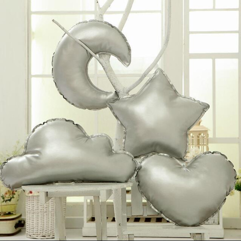 Acheter 1 pcs PU en cuir oreiller nuages lune et les étoiles et de creative enfants room decor canapé coussins en peluche jouet amour coeur oreiller de decorative sofa cushions fiable fournisseurs