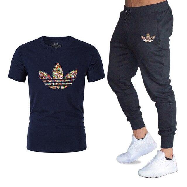 388fdd4e9 Harajuku hombres conjuntos de camisetas + Pantalones de los hombres ropa de  marca traje de dos piezas chándal de moda Casual camisetas gimnasios de ...