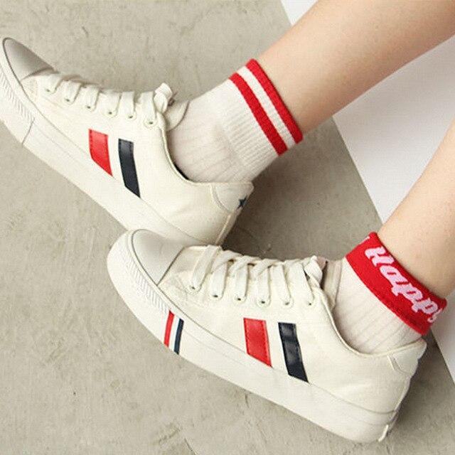 新しい韓国綿女性2つのストライプソックス文字パターン白女性靴下用学生ティーン