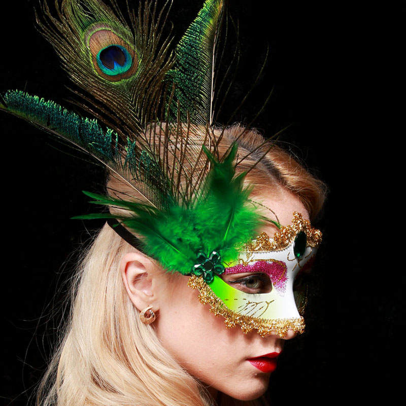 Children LED Halloween Feather Masquerade Ball Dance Party Eye Mask Fancy Dress