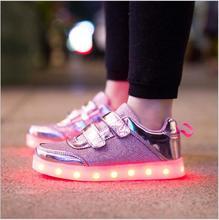 8-цветный детские спортивная обувь мода обувь красочные СВЕТОДИОДНЫЕ фонари с подсветкой мальчиков и девочек случайные плоские туфли Eur26-35