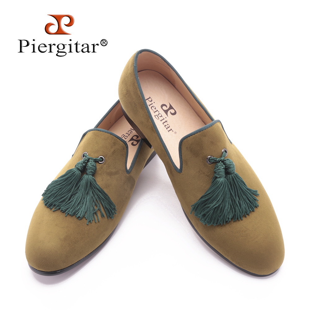 Piergitar 2017 men army green velvet shoes with new style green tassel luxurious prom and Banquet men dress loafers men's flats piergitar 2016 new india handmade luxurious embroidery men velvet shoes men dress shoes banquet and prom male plus size loafers