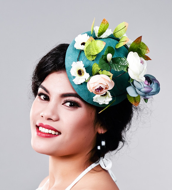 8a4c03a52c336 Ladies fancy races green wedding hats and fascinators feather hair  accessories women party tocados sombreros bodas