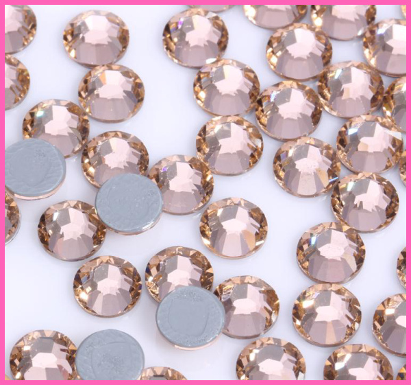 AAAA+ Quality Light Peach DMC HotFix Rhinestones  ss6 ss10 ss16 ss20 ss30 Iron On Flatback Hot Fix Rhinestones For Luxury Dress