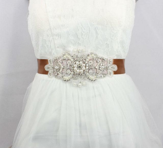 Свадебные пояса со стразами на платье