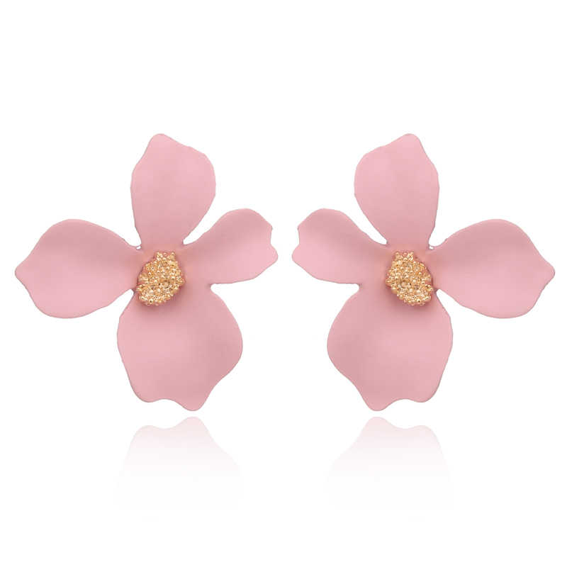 TAOLOGE Fashion Roamntic Sweet Jewelry Spray Paint Effect Stud Earrings With Flower High Quality Earrings For Women Girl Gift