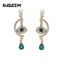 Turkish Personality Unique Gold Color Blue Eyes Stud Earring Women Crystal Eye Pendant Stud Earrings Jewelry Factory Wholesale azora blue eyes rose gold color stellux austrian crystal round stud earrings te0072