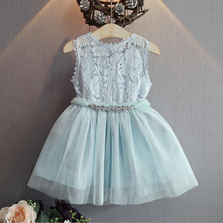 Dongeng Gadis Butik Gaun Dengan Berlian Imitasi Sabuk Bayi
