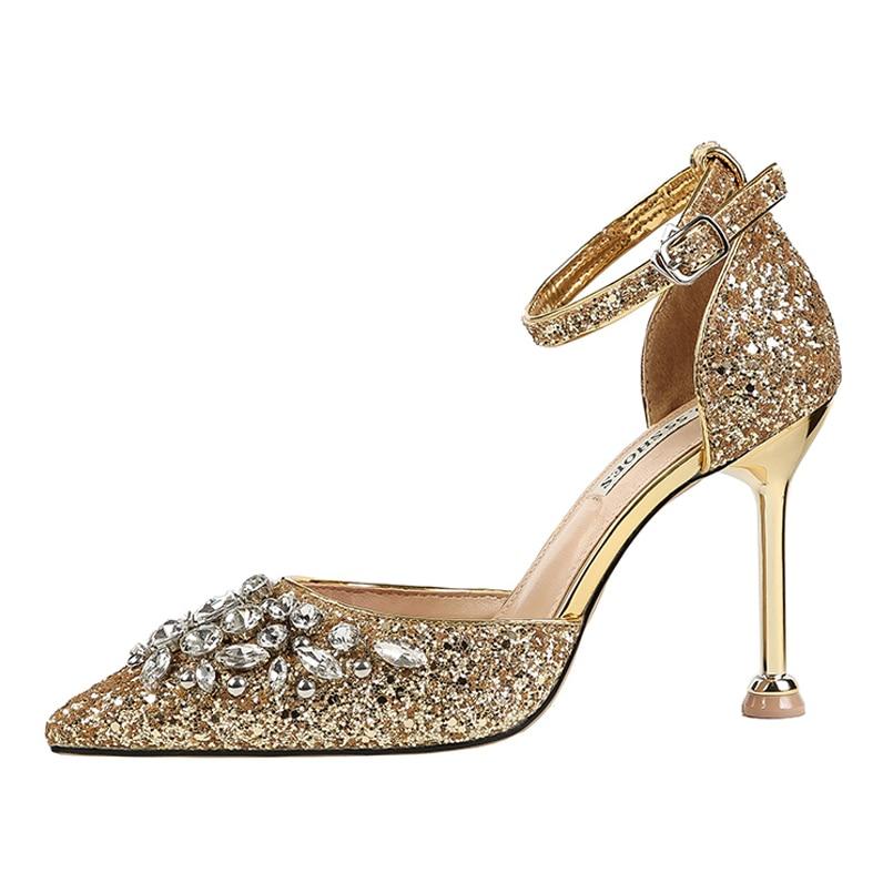 Femmes chaussures talons hauts rouge pompes femmes talons cristal diamant sexy talons chaussures femme sandales pointues paillettes dames chaussuresFemmes chaussures talons hauts rouge pompes femmes talons cristal diamant sexy talons chaussures femme sandales pointues paillettes dames chaussures