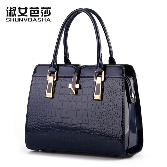 new bright patent leather crocodile pattern fashion shoulder shoulder bag European and American style atmosphere ladies package