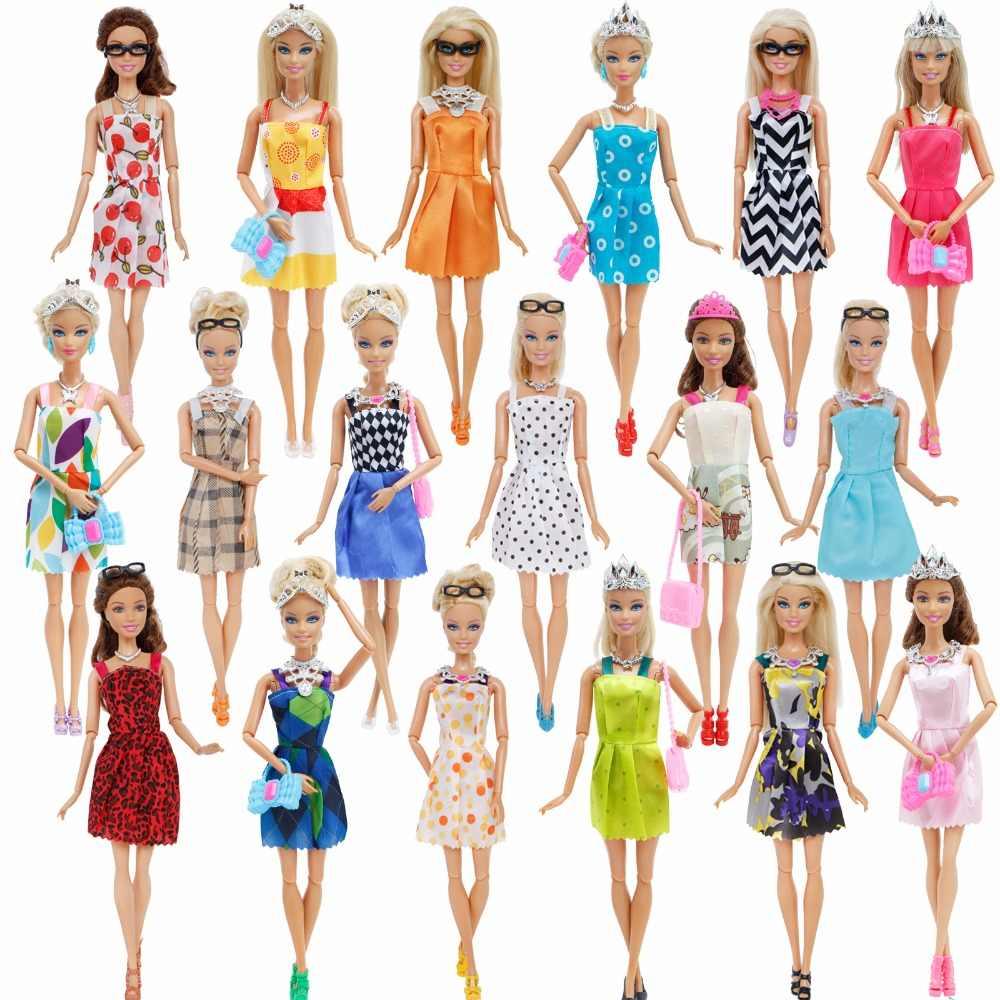 35 товар/комплект Кукла аксессуары = 10x одежда куклы, платье + 4x очки + 6x пластиковое ожерелье + 2x сумка + 3x корона + 10x обувь для Барби