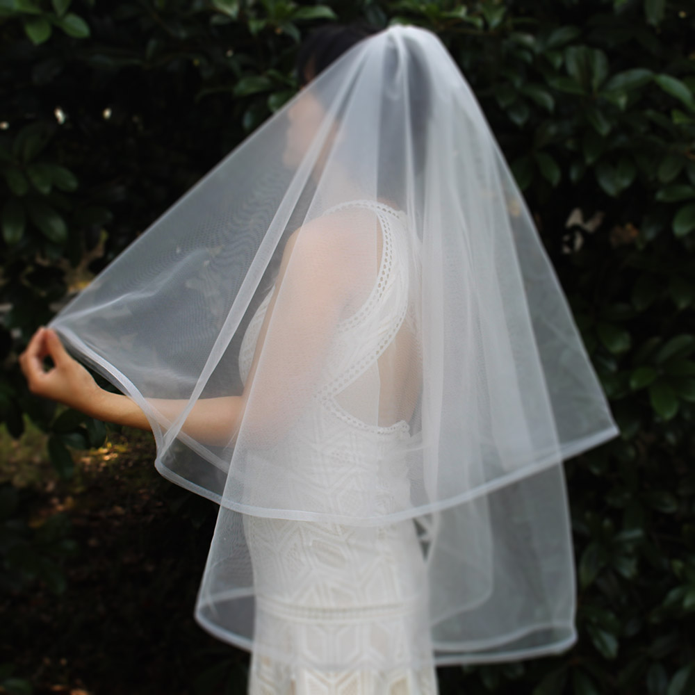 Short 2 Layers Wedding Veil With Horsehair Edge 2T Elegant New White Ivory Bridal Veil With Comb Wedding Accessories