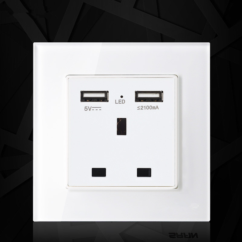 цена на UK standard 1 gang socket with 2 USB chargering, 3 Pin glass panel wall socket and 2100mA USB wall plug outlet