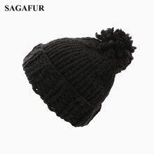 Knitted Hat Pompoms EL01
