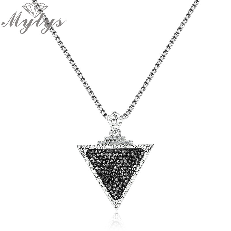 Mytys Triangle Pendant Necklace Long Sweater Chain Designer Necklaces Crystal From Major Brand High Level Fashion Gift CN358