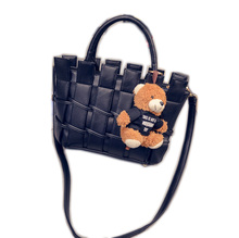 Mode frauen Stricken Handtaschen Hochwertige Damen Zipper Schultertasche Crossbody beutel Weiblichen Umhängetasche mit Kleinen Bären
