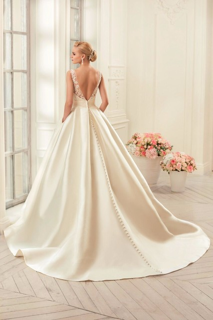 Sexy Backless Wedding Dresses Chapel Train Bridal Gowns Ivory Satin vestido noiva princesa