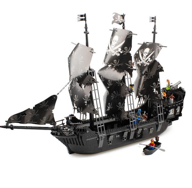 2016 New Pirates of the Caribbean Black Pearl ship large model Christmas Gift Building Blocks toys On Stock new lepin 16009 1151pcs queen anne s revenge pirates of the caribbean building blocks set compatible legoed with 4195 children