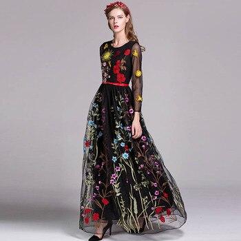 d1342ad78 De Lujo nueva llegada 2019 de primavera de las mujeres de cuello en O manga  larga bordado capas Maxi Floral vestidos de pista en 3 colores
