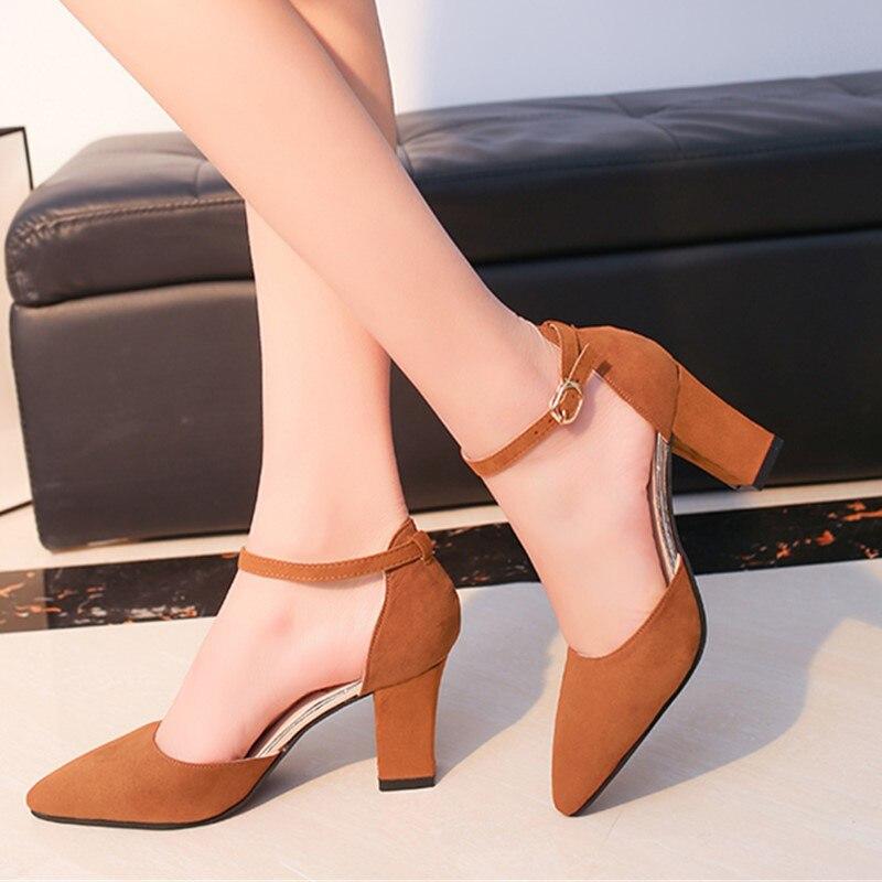 Sandalia Feminina 2018 verano nuevo salvaje zapatos de tacón alto en Punta palabra hebilla sandalias áspero con zapatos de las mujeres solteras s0010-1