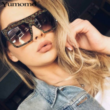 2019 Crystal Diamond Oversized Sunglasses Women Ladies Vintage Brand Designer Gradient Bling Sun Glasses Square Eyewear UV400