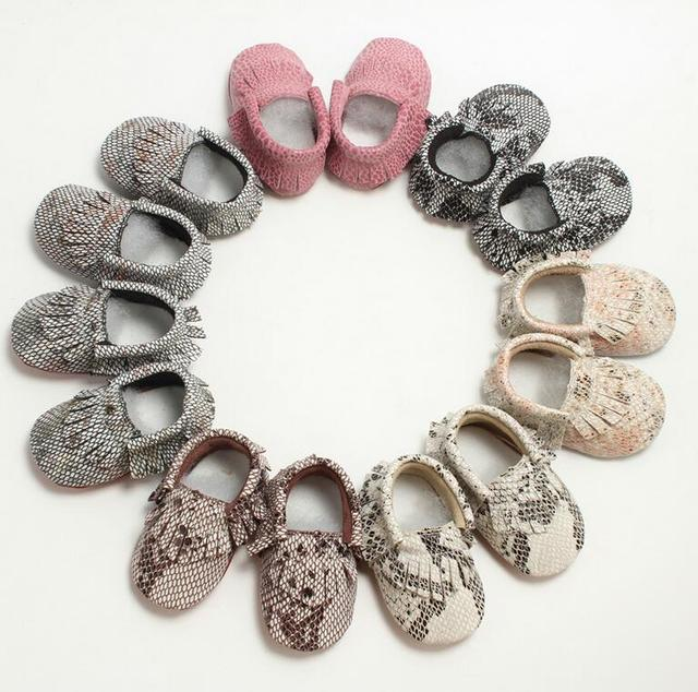 1 Pair Send Snakeskin Design Christmas Leather Baby Moccasins Newborn Baby Boyes Shoes 0-24M dropshipping