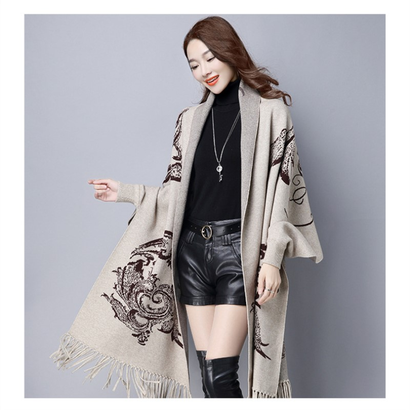 New Arrive Autumn And Winter Female Vintage Tassel Sweater Bat Sleeved Knit Cardigan sweater Loose Thick