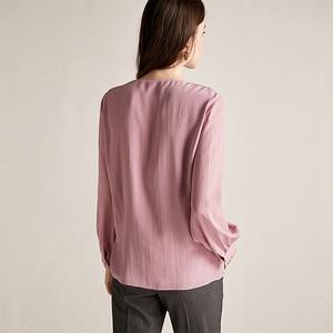 Image 2 - Blusa feminina camisa dupla camada 100% seda design simples decote em v manga longa sólida 2 cores escritório topo nova moda primavera 2019