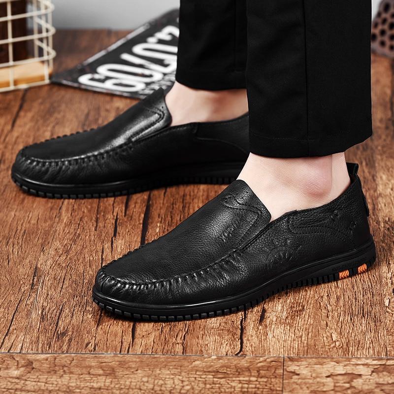 1aa8e2708c Dos Casuais Moda 2019 Genuíno Brown amp  Sapato Homem Flats Clássico Sapatos  Nova Mocassins Para Vaca Homens Masculinos Couro ...