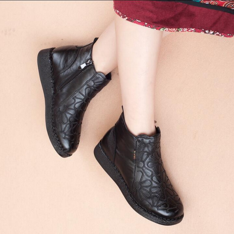 2018 Women Fashion Vintage Genuine Leather Shoes Female Autumn Winter Flower Ankle Boots Woman Classic Black Flat Casual Boots-in Ankle Boots from Shoes    3