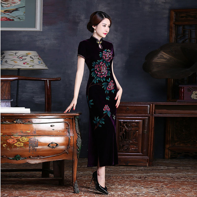 a332f67a1 Velvet Mother Purple Cheongsam Modern Chinese Dress Qipao Long Evening  Dresses Robe Chinoise Vintage Hand-painted Flowers Qi Pao