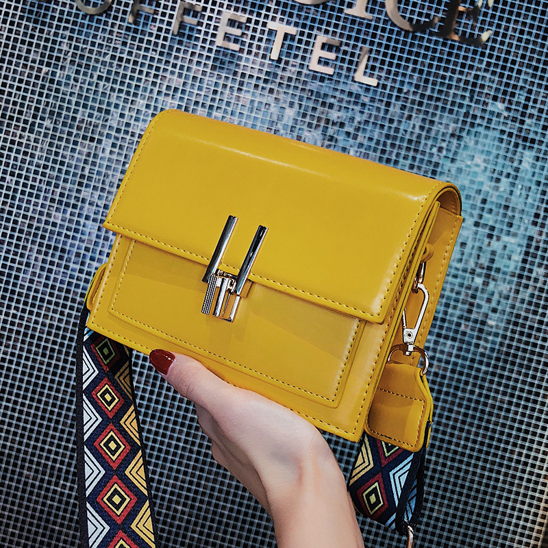 ETAILL 2018 Small Flap PU Patent Leather Shoulder Bags with Colorful Wide Strap Yellow Messenger Crossbody Bags Phone Purse Bag joelheira magnética alívio