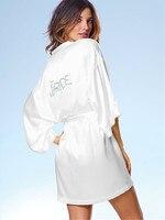 خاص مخصص اسم العروس bridemaid رداء الحرير ثوب الليل للنساء الزفاف الأبيض مثير الساتان الجلباب كيمونو الزفاف رداء