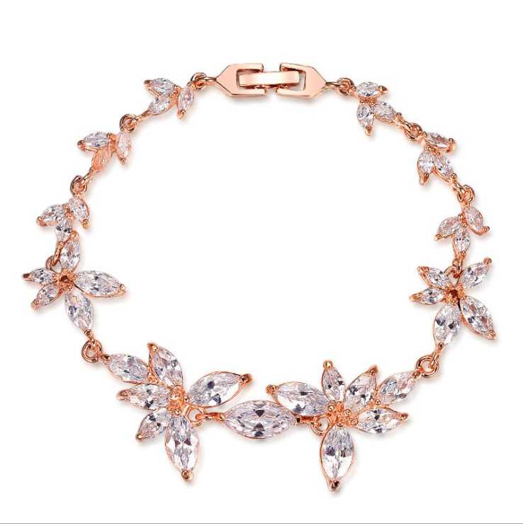 2019 New Europe Fashion Jewelry Zircon Flower Bracelet Crystal from Austrian  for Woman Wedding jewelry