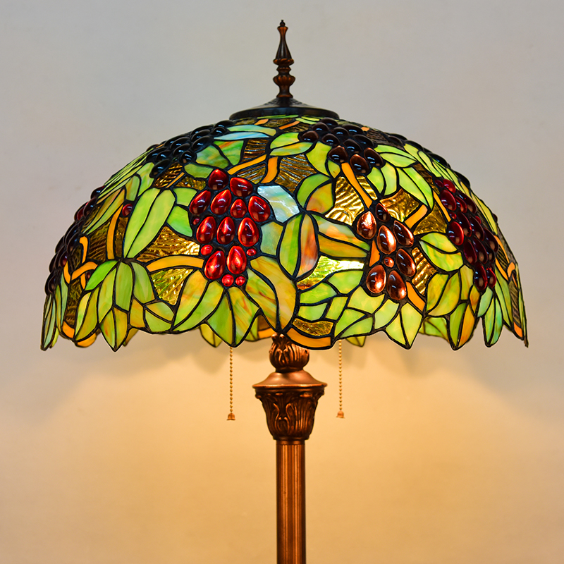 europe Tiffany retro style stained glass grape floor lamp living room bedroom study standing lamp modern wood table floor lamp living room bedroom study standing lamps fabric decor home lights wooden floor standing lights
