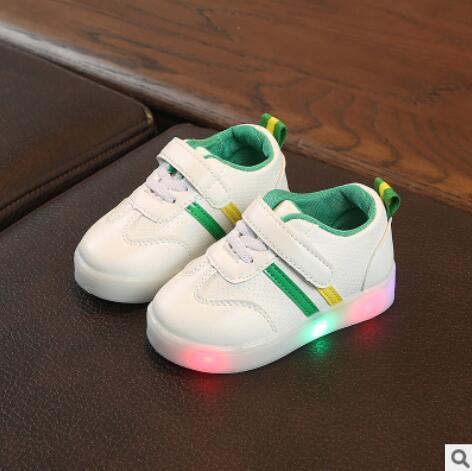 40a17ca7fdadbd Primavera otoño niños iluminados zapatos deportivos LED luminosos zapatillas  de deporte Bebé Zapatos brillantes con luz bebé pequeños