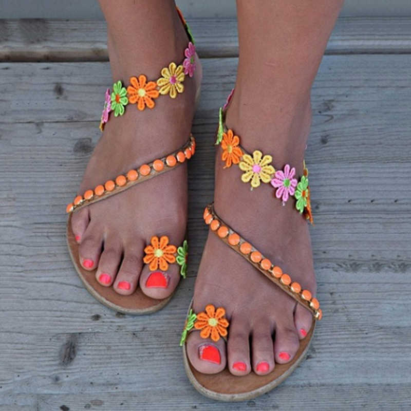 夏の靴女性のグラディエーターサンダルの女性の靴フラットファッション Weet 花自由奔放に生きるビーチサンダルレディースプラスサイズ 44
