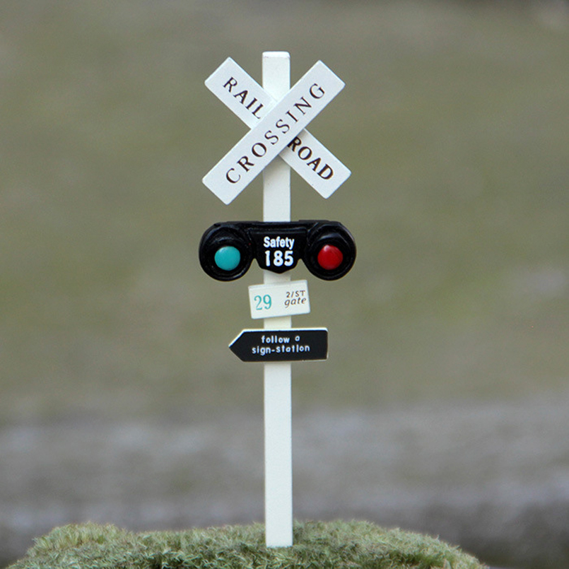 INKANEAR A15 Mini Resin Train Traffic Light Sign Bonsai Fairy Garden Miniatures Flower Decoration Terrarium Ornament Accessories