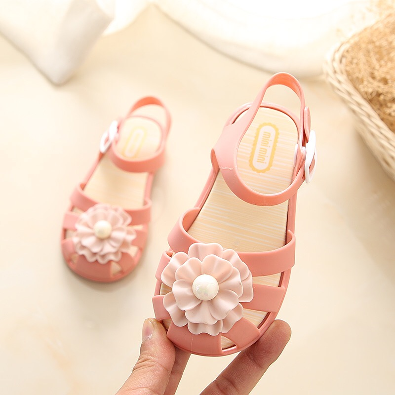 Mini Melissa 2018 New Pearl Flower Girl Jelly Sandals Roman Girl Sandals  Breathable Melissa Shoes Toddler Sandals 14.5 17cm-in Sandals from Mother    Kids on ... 144c70d41888