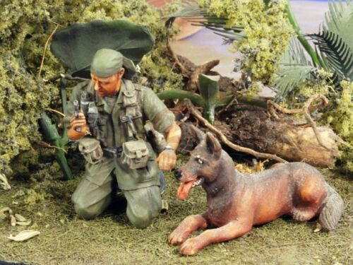 <font><b>1</b></font>/<font><b>35</b></font> US SOLDIER with his Dog <font><b>Vietnam</b></font> <font><b>War</b></font> toy <font><b>Resin</b></font> Model Miniature <font><b>resin</b></font> <font><b>figure</b></font> Unassembly Unpainted image