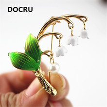 2017 free shipping fashion women New Jewelry wholesale Small fresh plant brooch  collar clothing accessories Girl party gift