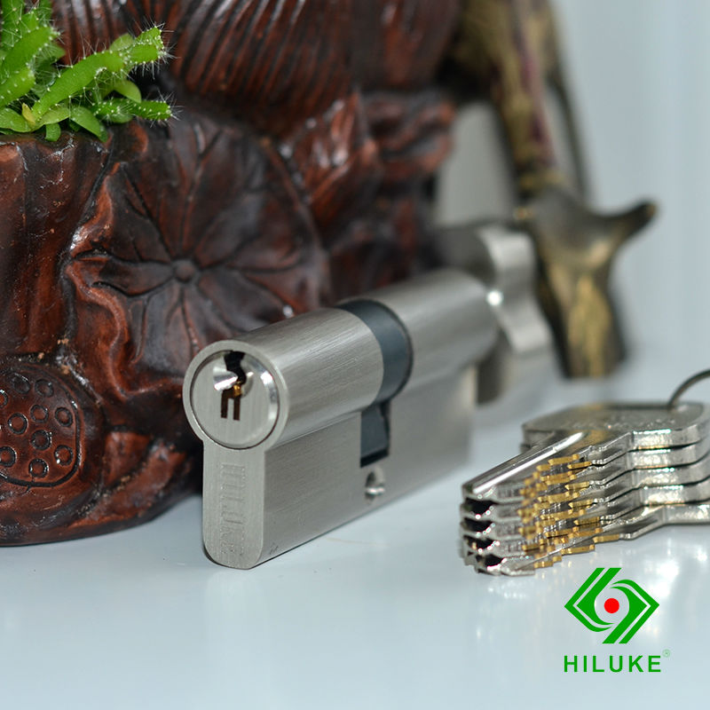 HILUKE 70mm brass lock cylinder 5pics brass key with two line and button Europe standard safe door lock core single open hiluke 70mm brass lock cylinder 5pics brass key with two line and button europe standard safe door lock core single open