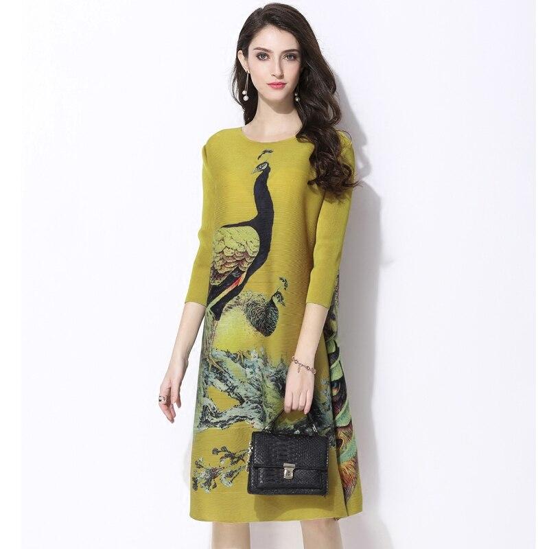 2018 lente Nieuwe gedrukt jurken Vintage Miyak Geplooide Ontwerp Losse Grote maat 3/4 mouw Vrouwelijke knielange jurk D34790-in Jurken van Dames Kleding op  Groep 2