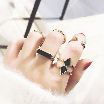 Metallic Geometric Rings Set