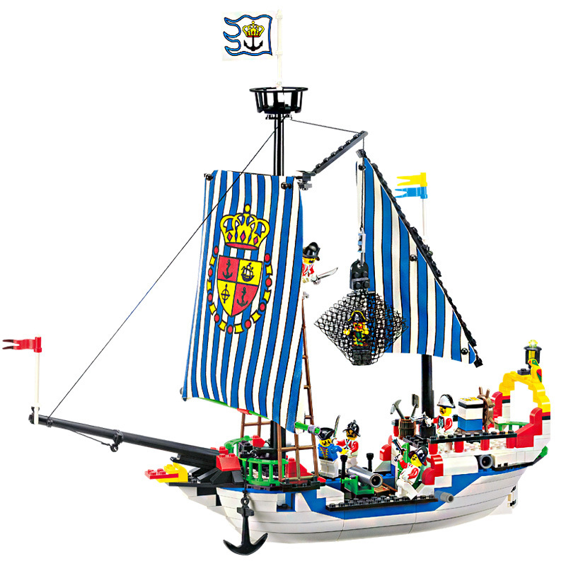 310pcs Pirate Ship Toy Royal Warships Blocks Enlighten Building Blocks Gifts for Children Figure Bricks Toys for Boys K0399-305 lepin 22001 pirate ship imperial warships model building block briks toys gift 1717pcs compatible legoed 10210