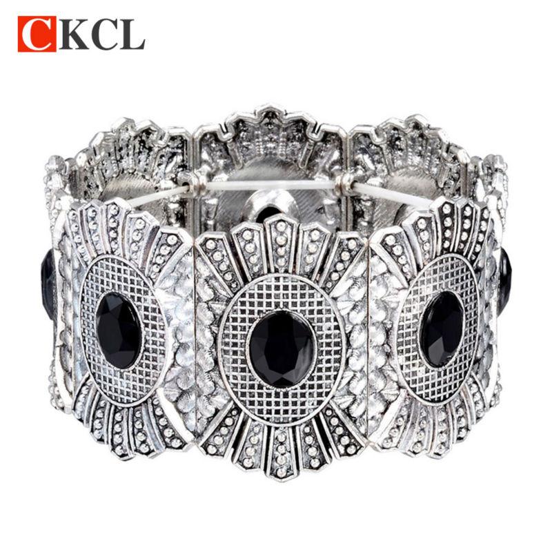 2017 Nieuw design mode vintage antiek oud zilver opengewerkte brede manchet armband & armband voor vrouwen retro Braziliaanse sieraden