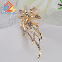 Brooch for scarves Fashion woman gold plated luxury boutique elegant crystal brooch noble bouquet brooches