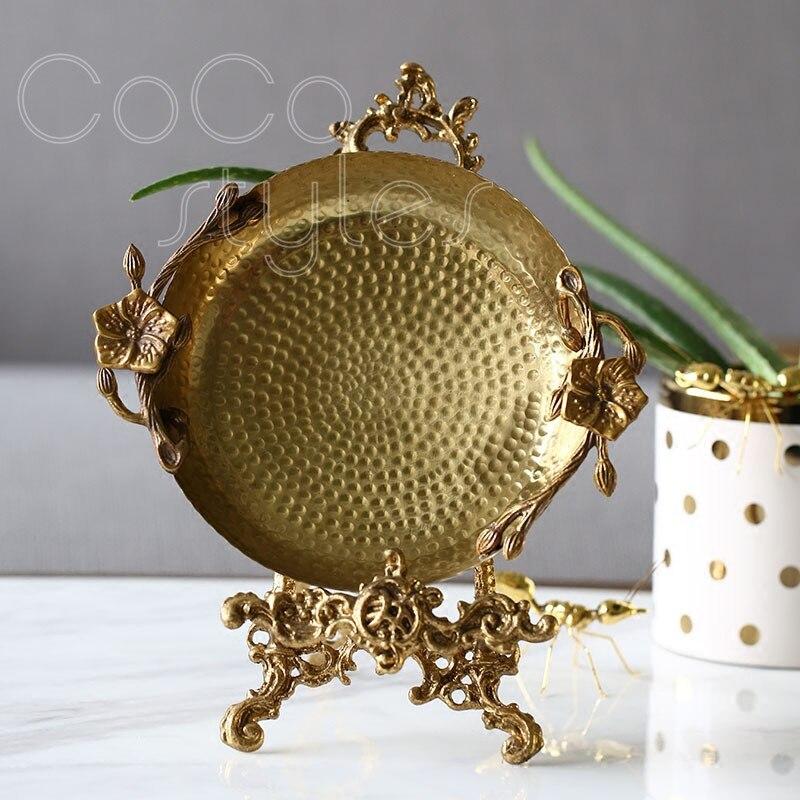 Cocostyles InsFashion luxe marteau grain prune fleur modélisation à la main en laiton bijoux plateau pour vintage style royal décor à la maison